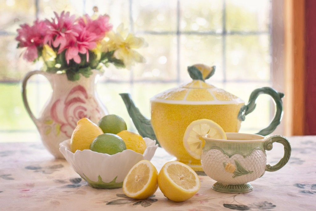 tea-with-lemon-AskYourCoach- What should you eat for breakfast
