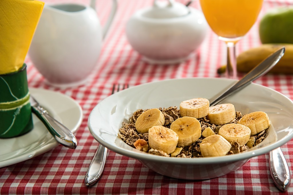 what should you eat for breakfast-cereals - balanced breakfast